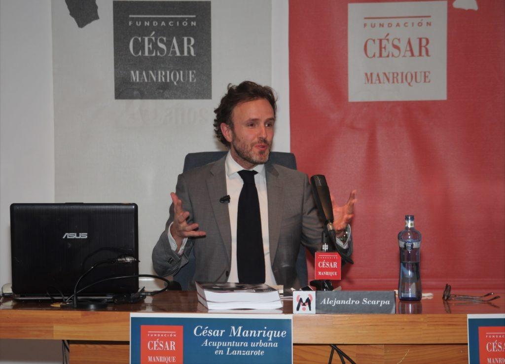 Conferencia de Alejandro Scarpa en la Fundación César Manrique